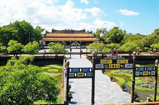 Ninh Bình – Huế – Thành cổ Quảng Trị – Động Phong Nha
