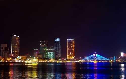 Nghỉ dưỡng biển – điểm nhấn du lịch Đà Nẵng 2019
