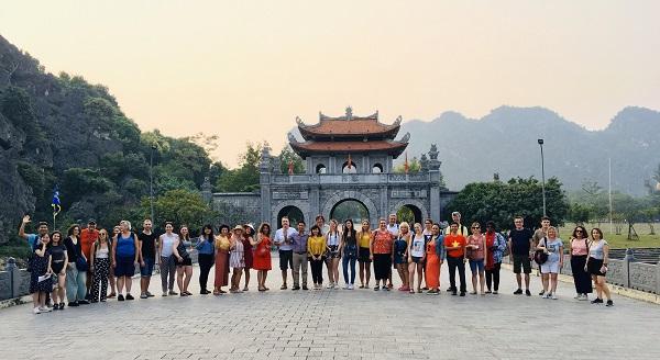 Đoàn Famtrip các doanh nghiệp lữ hành châu Âu khảo sát du lịch tại Ninh Bình