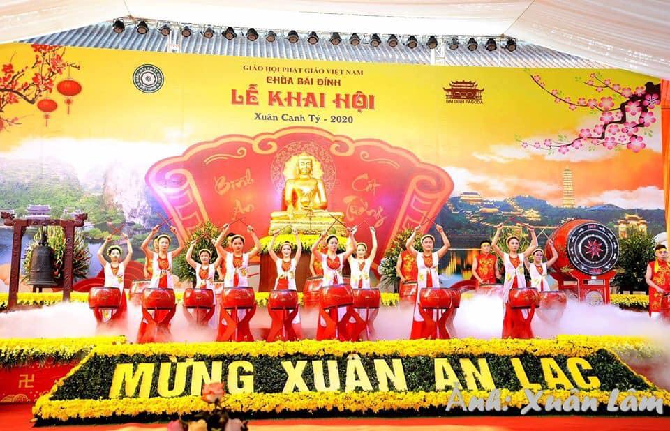 Đầu năm Canh Tý về Ninh Bình du xuân trẩy hội
