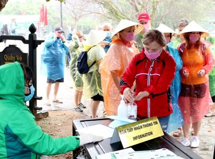 Từ ngày 28/4, ngành du lịch Ninh Bình tổ chức đón khách tham quan trở lại