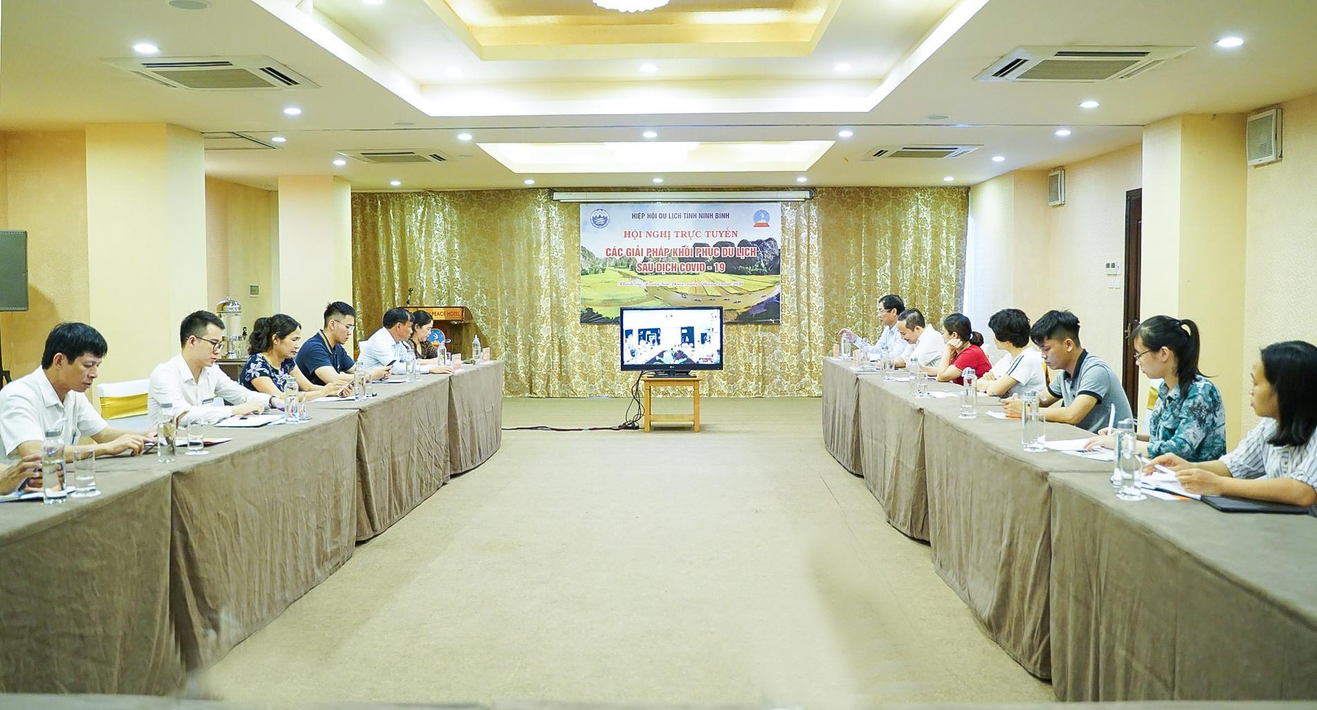 """Hiệp hội du lịch Ninh Bình tham dự Hội nghị trực tuyến toàn quốc """"Giải pháp khôi phục du lịch sau dịch Covid – 19"""""""