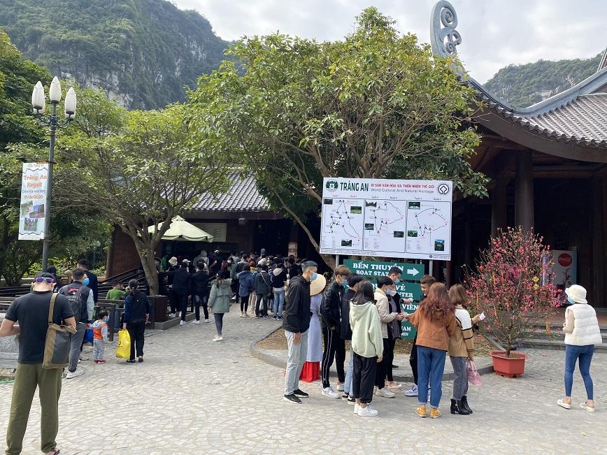 Ninh Bình đón khách du lịch an toàn, chu đáo và phòng, chống dịch tốt trong dịp Tết Tân Sửu